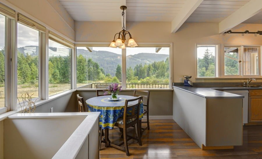 Kitchen with Mountain View