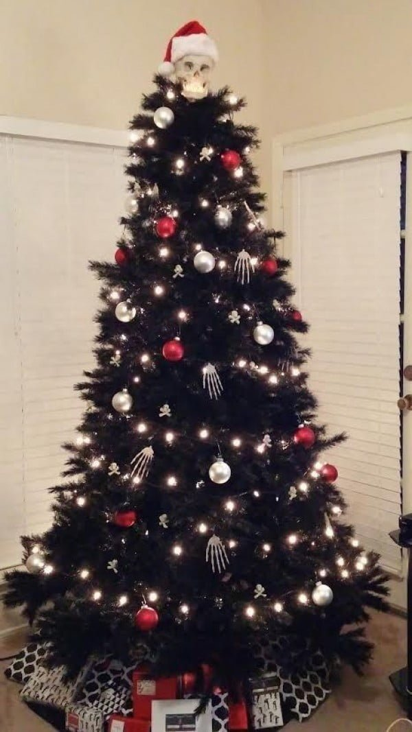 20 Awesome Christmas Tree Themes You'll Want To Steal
