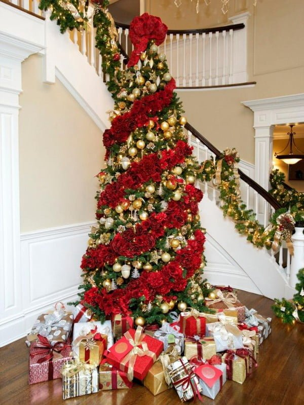 40 Christmas Tree Decorating Ideas to Try This Season