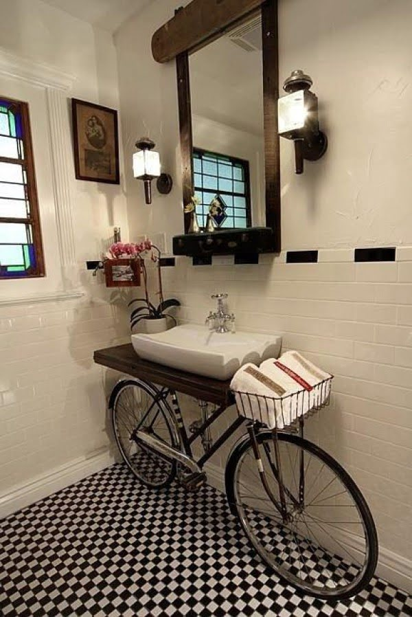 Old Bicycle as a Vanity #bathroomdecor