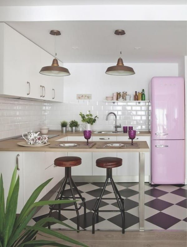 Purple Accent Retro Kitchen #homedecor