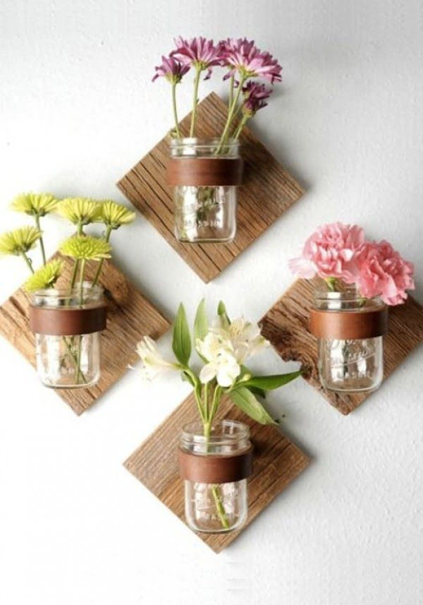 How to make #DIY suspended wall flower pots from #masonjars. Brilliant idea! #homedecorideas