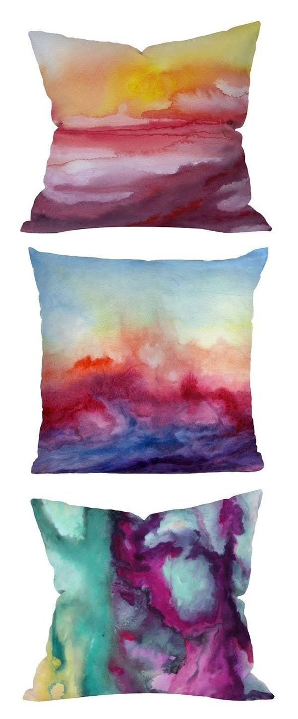 How to make #DIY ice dyed pillow cover that just look so great! #homedecorideas
