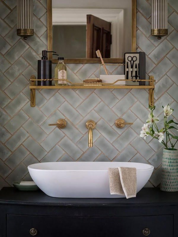 Accent Bathroom Tiling #homedecor