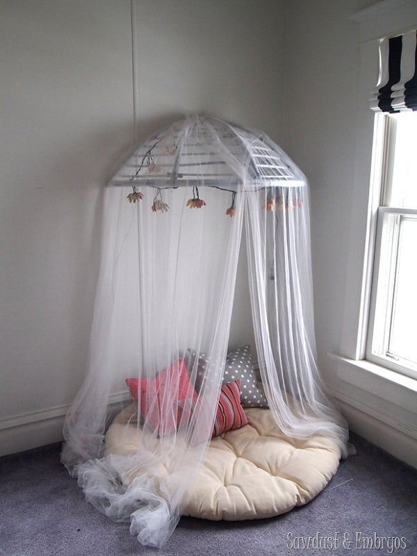 #DIY canopy reading nook that looks easy enough to build. Check it out! #homedecorideas