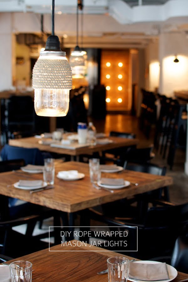 How to make #DIY rope wrapped #masonjar lights that look great inside and outside. Worth a try! #homedecorideas
