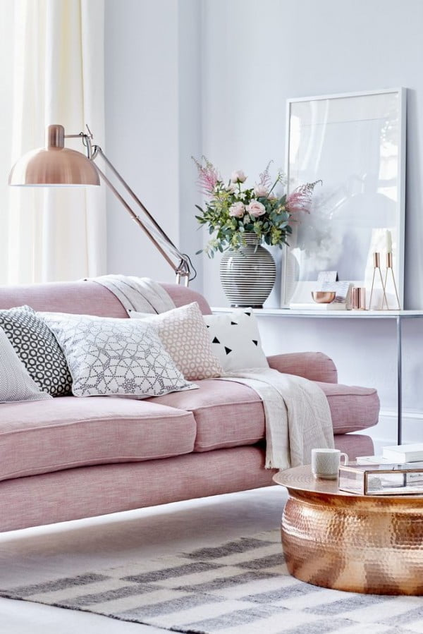 Hues of Pink in Modern Living Room Design #homedecor