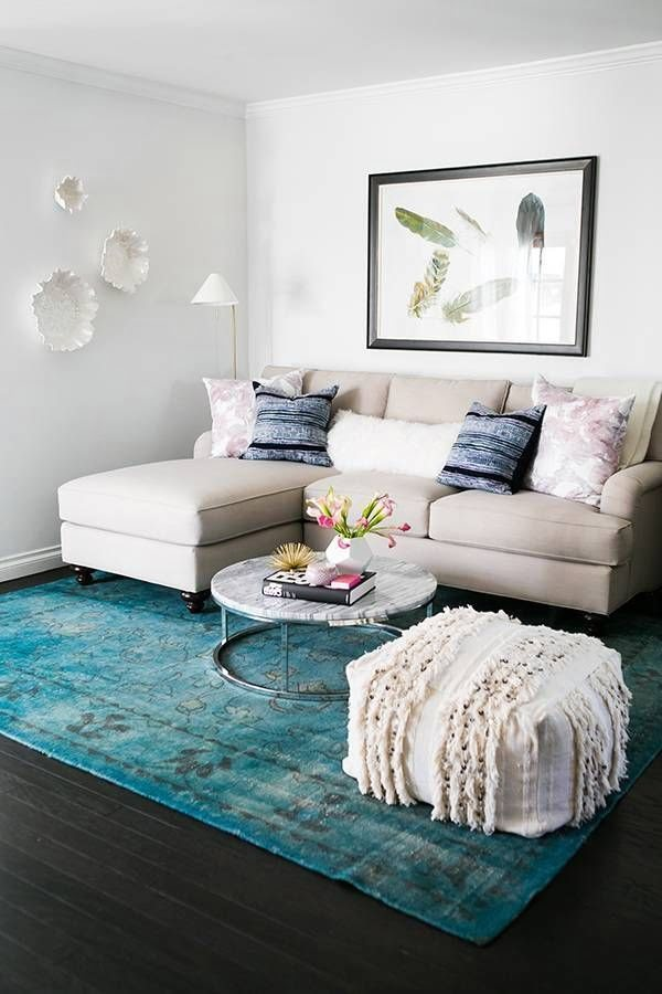 Accent Rugs in Modern Living Room Decor #homedecor