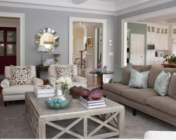 Using Crown Molding in Modern Living Room Design #homedecor