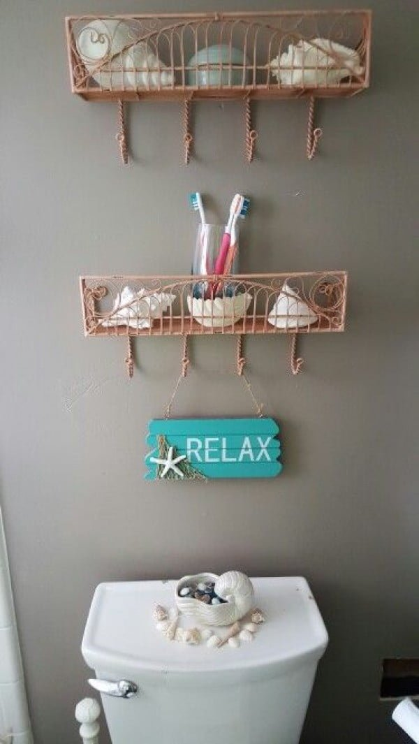 Decorate the Bathroom with Seashells