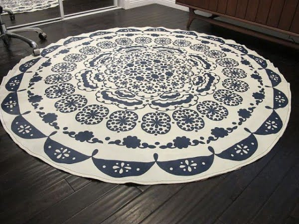 How to make a #DIY Table Cloth Rug