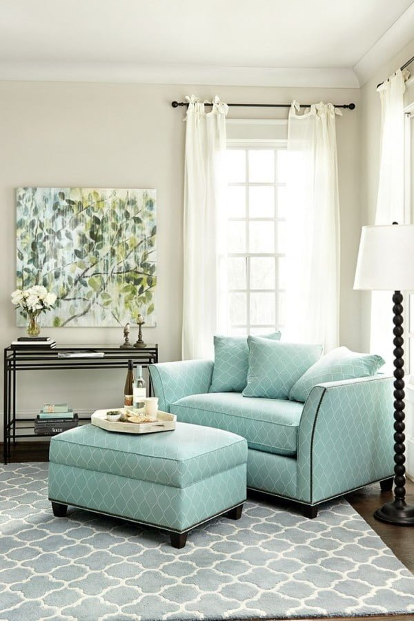Soft Blue Accents in Modern Living Room Decor #homedecor