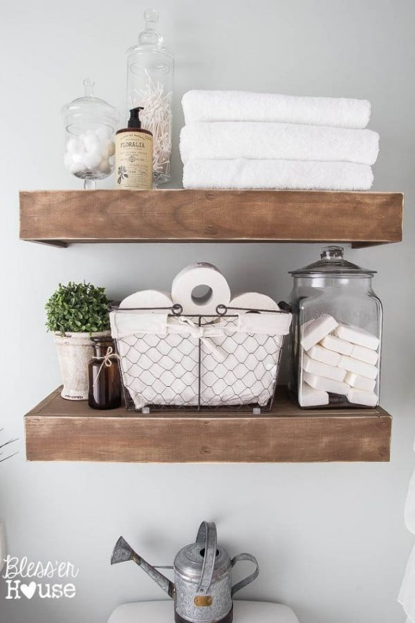 #DIY suspended shelves for #rustic bathroom decor #bathroomdecor