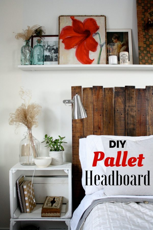 Check out how to build this easy DIY Pallet Headboard