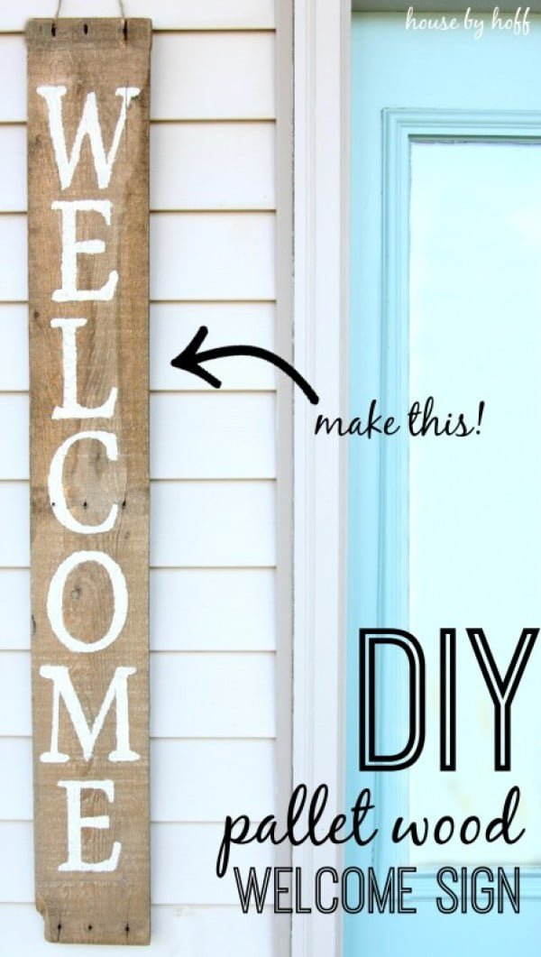 Check out how to make an easy DIY farmhouse style Welcome sign