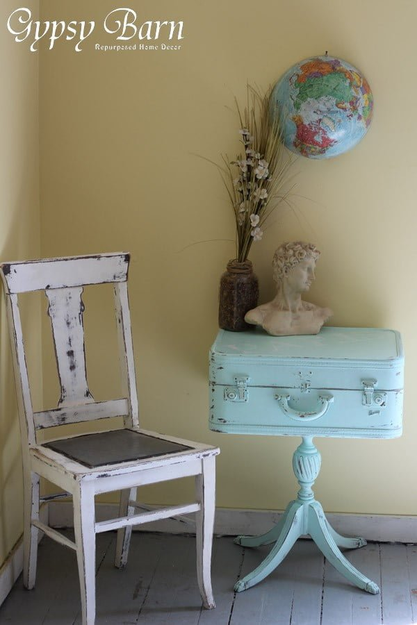 Love the idea of a DIY shabby chic table from a suitcase