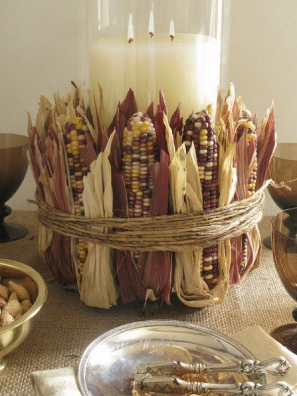 Lovely idea for a DIY Indian corn centerpiece for Thanksgiving decor