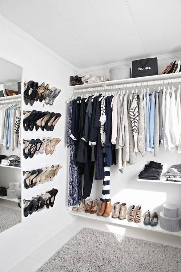 Love the idea for a shoe storage rack using towel rods