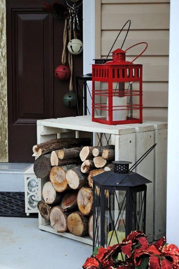 Nice idea for Christmas porch decoration in rustic style
