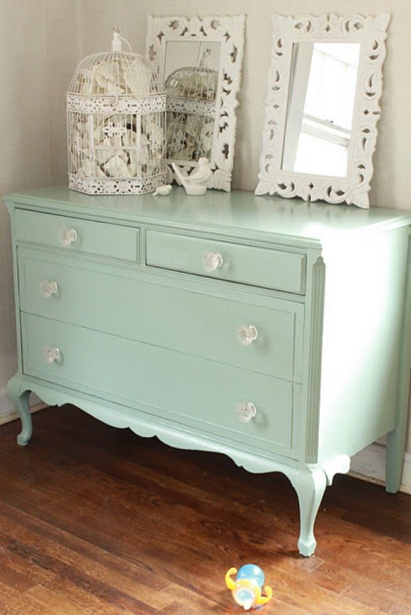 Lovely shabby chic dresser for shabby chic bedroom decor