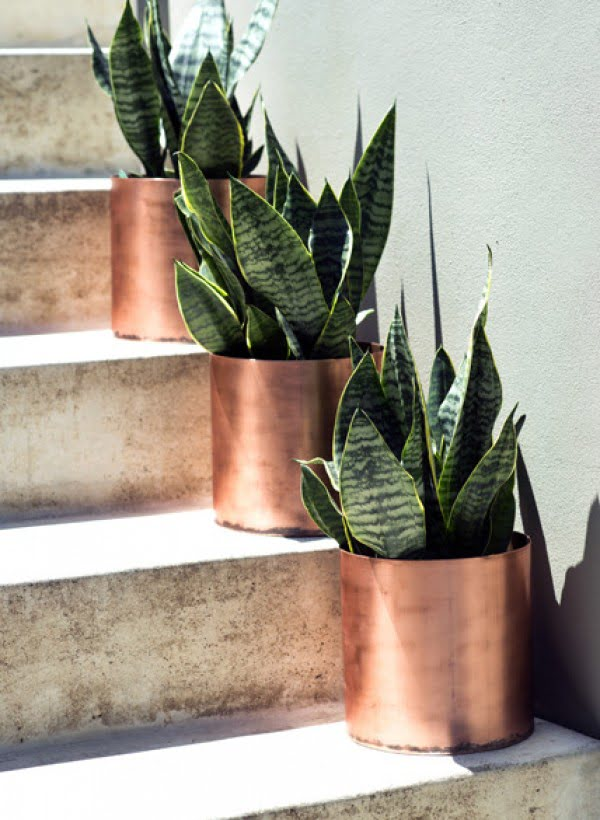 16 Trendy DIY Ideas to Decorate with Copper - Love the idea of DIY hand made copper planters