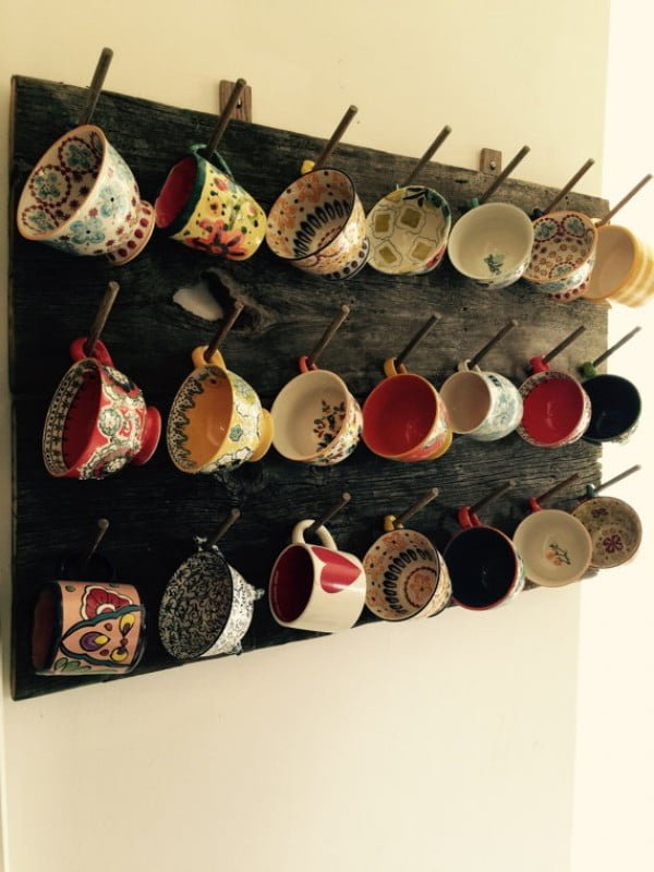 13 Brilliant DIY Mug Racks You'll Have Fun Making - Love the idea for a rustic DIY coffee mug rack