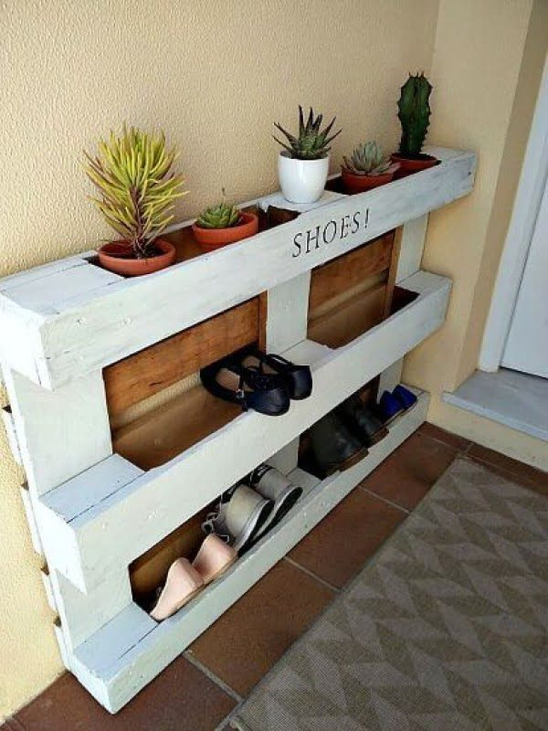 60+ Easy DIY Shoe Rack Ideas You Can Build on a Budget - Love the DIY pallet shoe rack with succulent planters