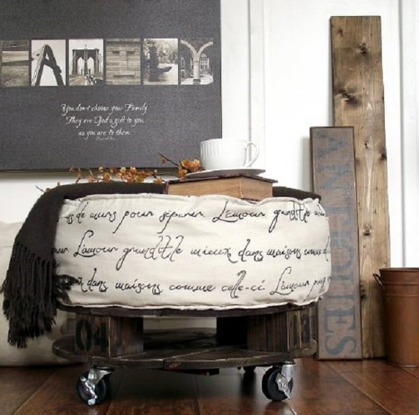 #DIY Round Ottoman that looks so shabby chic and it's surprisingly easy to make! #homedecorideas
