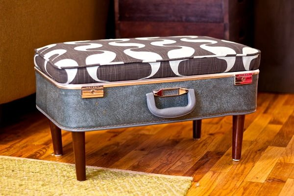 #DIY Suitcase Ottoman, it looks whimsical and it's pretty easy to build. Check it out! #homedecorideas