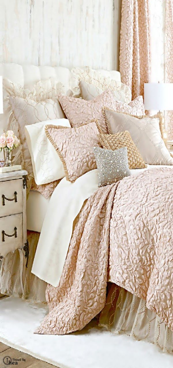 Lovely floral pattern bedding and scabby chic bedroom decor