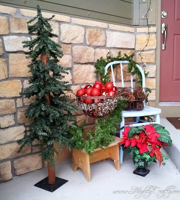 Beautiful Christmas front porch decor idea