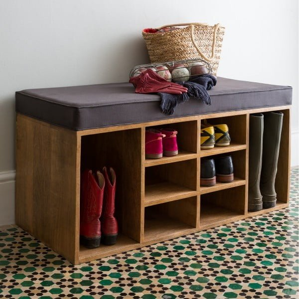 Love the bench with storage space for shoes