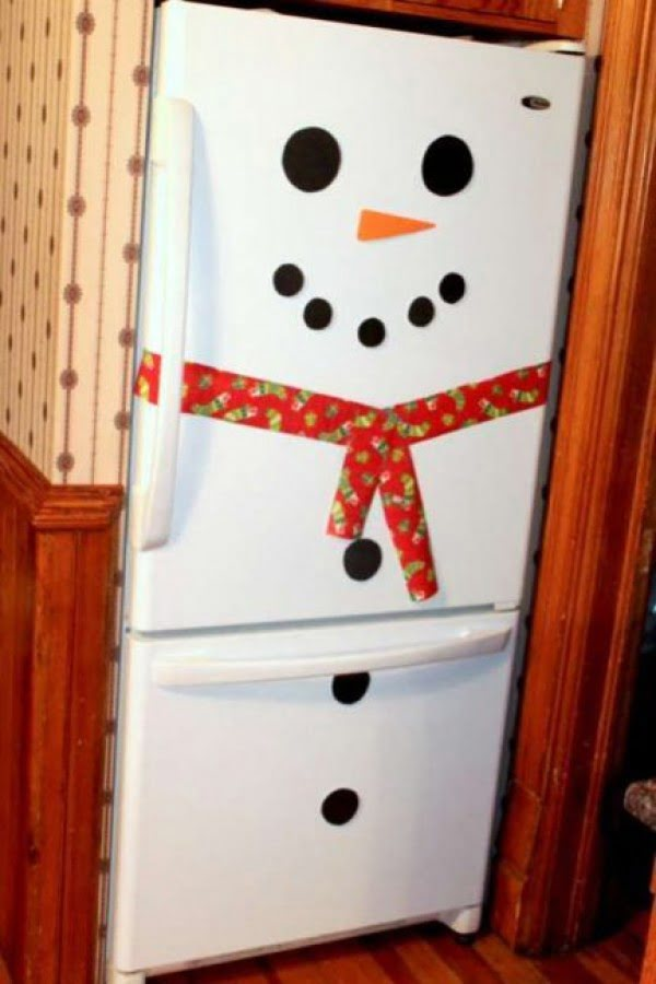 Simple and original DIY fridge snowman Christmas decoration
