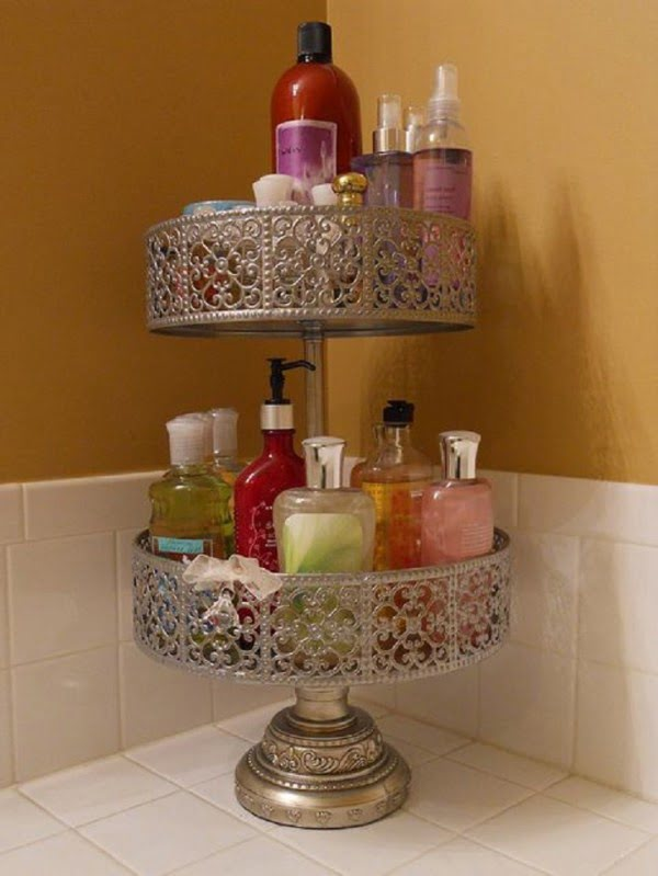 Great idea to use a cake stand for bathroom storage