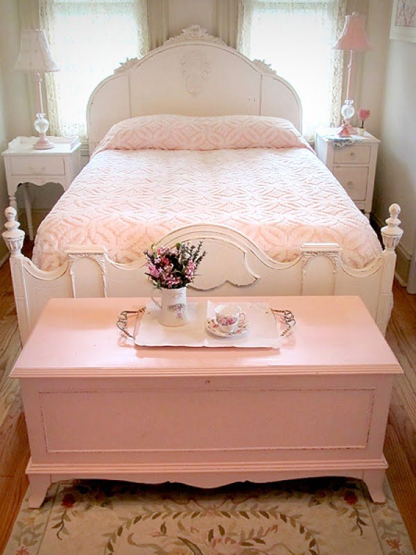 Love the bed end bench/chest for shabby chic bedroom decor