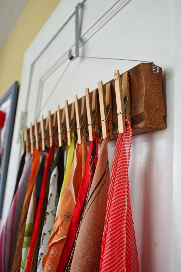 How to build  a scarf holder using clothes pins