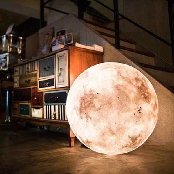 Check out this awesome moon lamp