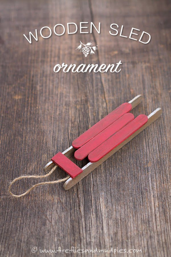 Make this adorable DIY wooden sled ornament Christmas decoration
