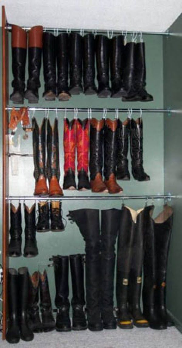 Clever shoe storage in small closets using hanging hooks