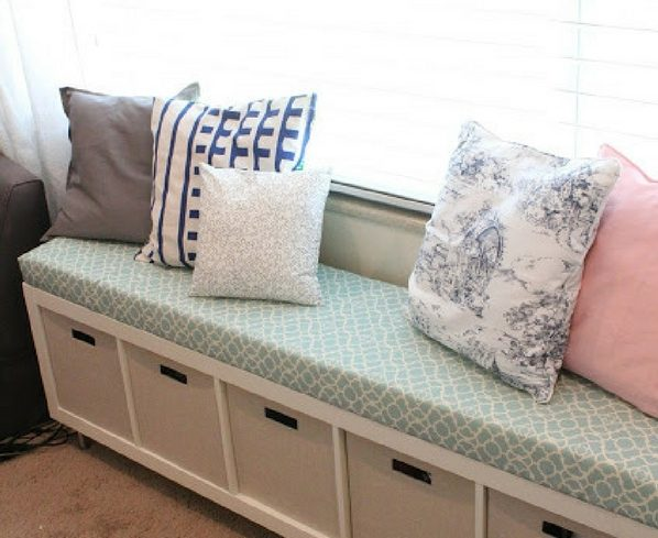 How to turn a simple bookshelf into a DIY storage bench