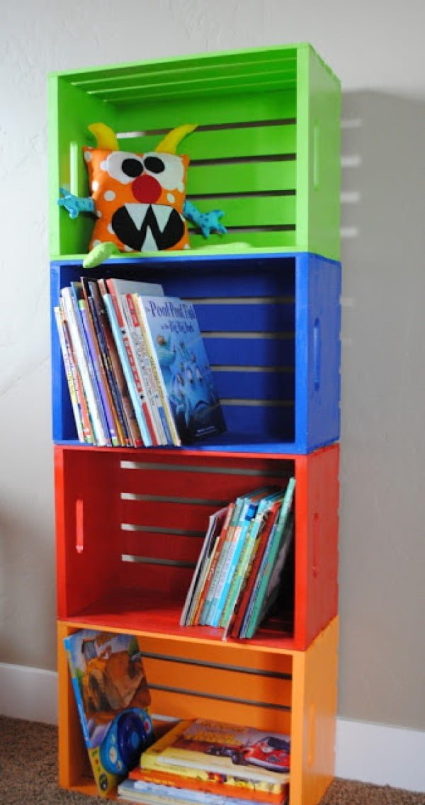 22 Easy DIY Bookshelf Ideas You Can Build at Home - Check out how to build this DIY kids room bookshelf from crates