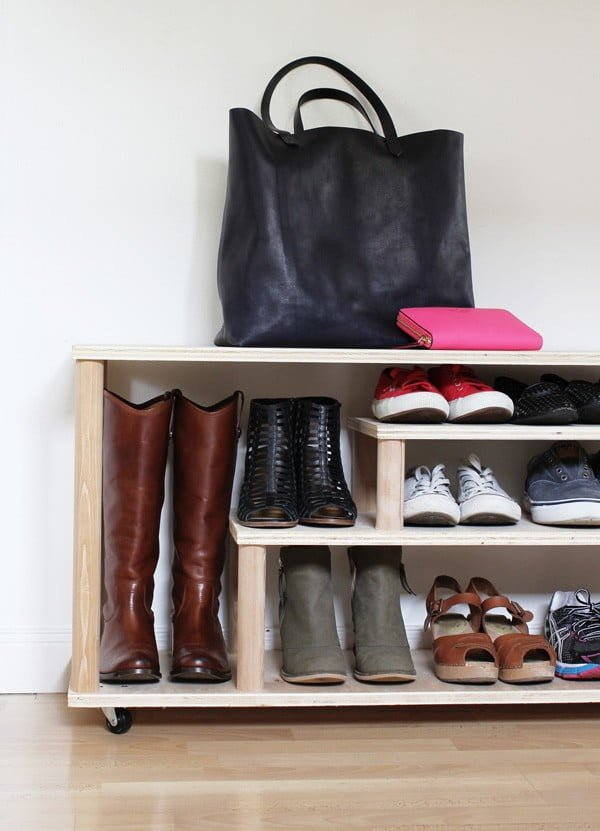 60+ Easy DIY Shoe Rack Ideas You Can Build on a Budget - Check out how to make this DIY shoe rack for your mudroom