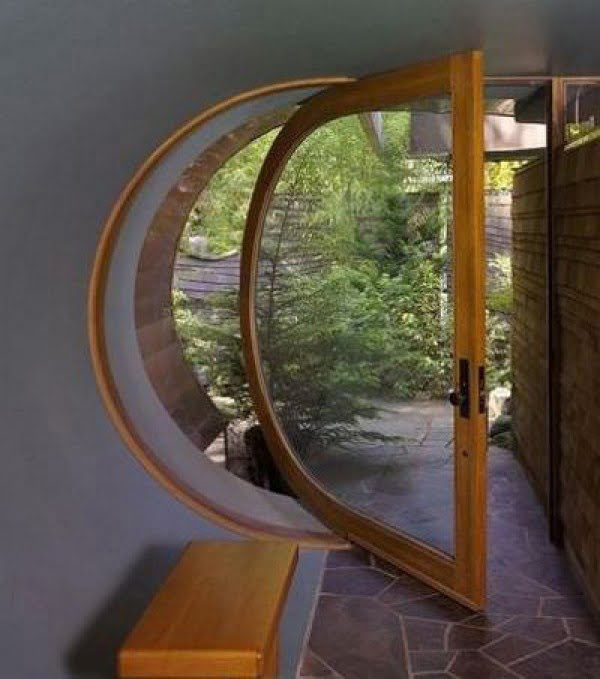 D-shaped pivoting door in the WIlkinson Residence
