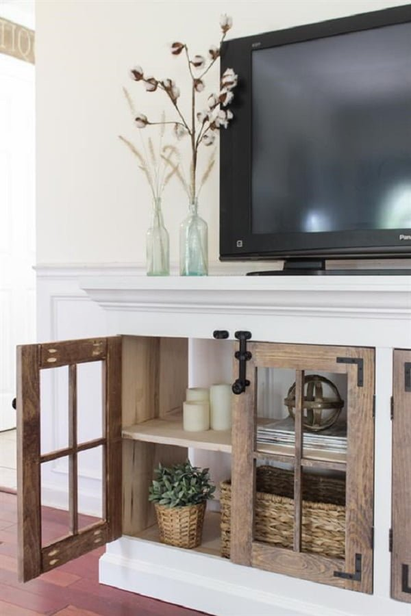 How to build a #DIY TV console cabinet. Brilliant project! #homedecorideas
