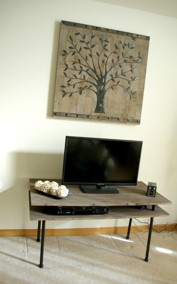 Great project idea! How to build a #DIY Industrial TV Stand. #homedecorideas