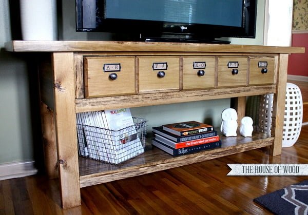 How to build a #DIY Pottery Barn inspired media console. Wonderful project! #homedecorideas