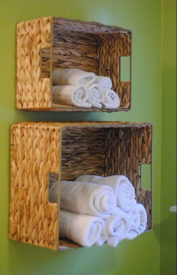 How to build #DIY wall suspended basket shelves in minutes #BathroomIdeas #HomeDecorIdeas #RusticDecor
