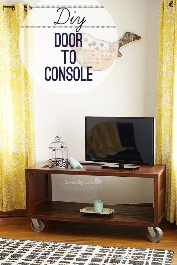 How to make a #DIY TV console form an old door. Lovely! #homedecorideas
