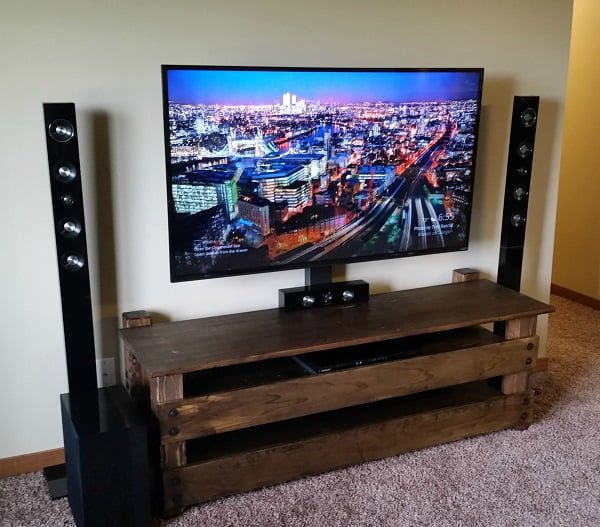 How to make a  rustic TV stand. Looks simple and great! ideas