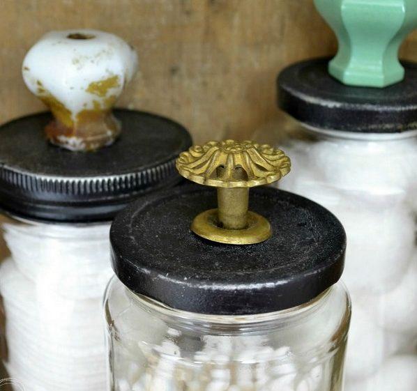 How to reuse old jars for DIY bathroom organization